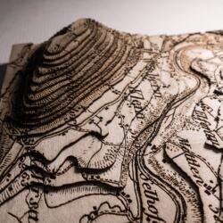 Lasercut Dufour Karte - Detail der Topografie Schichten
