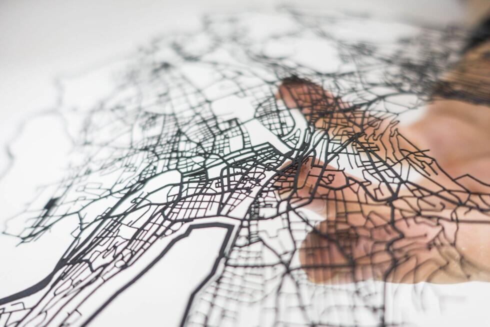 Lasercut street network of zurich in paper - In hand 2 - Robin Hanhart