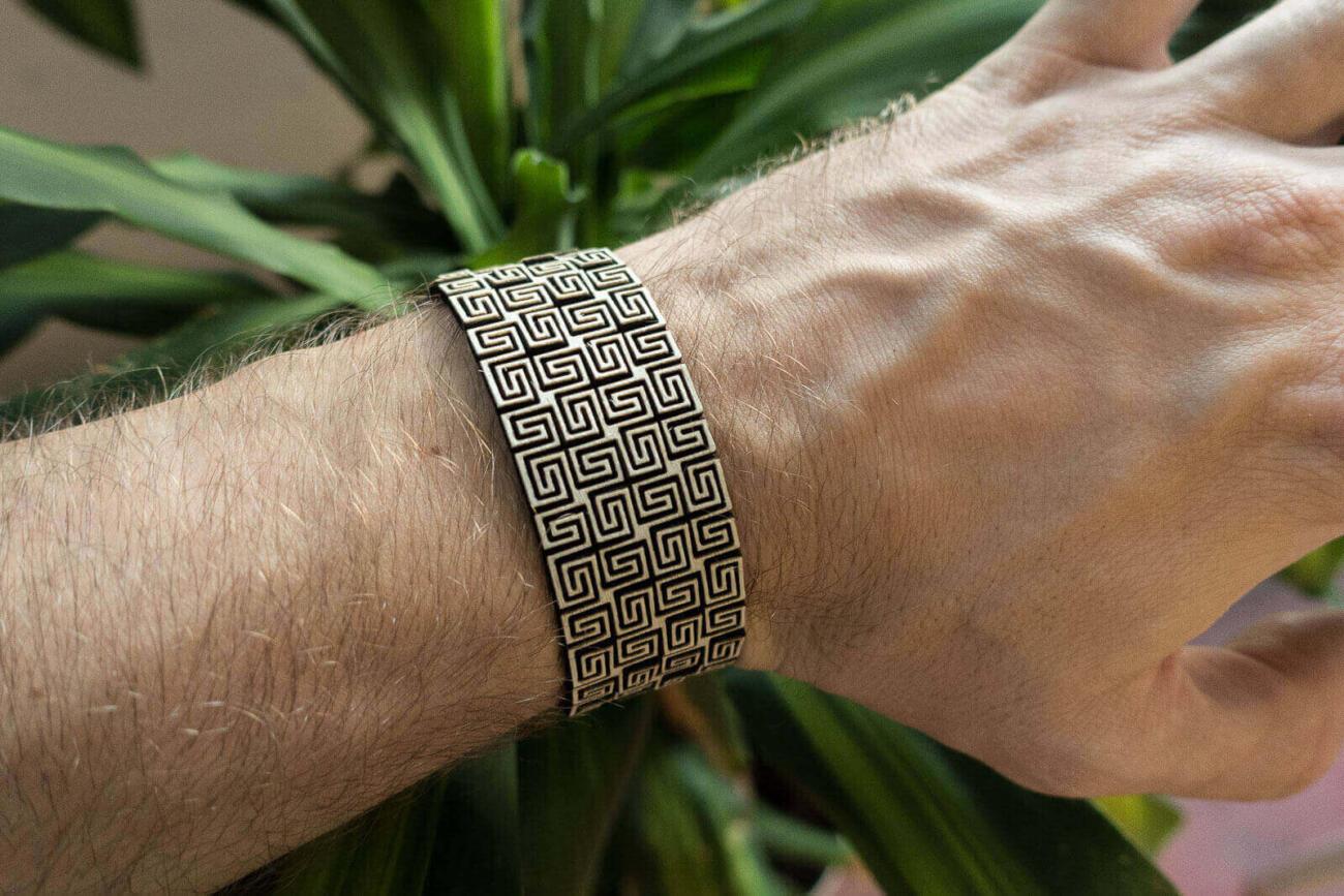 Lasercut Bendable Wood - Arm bracelet on person