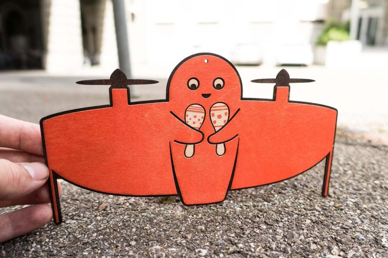 Vitoli - A friendly drone - Orange version with rattles