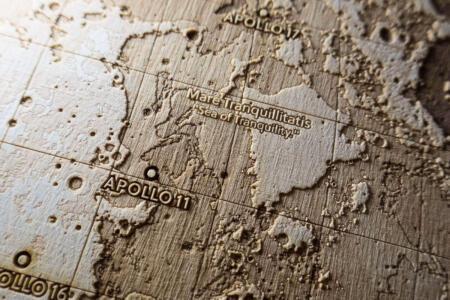 Topografische Karte vom Mond - Landestelle Apollo 11 in Mare Tranquillitatis von Robin Hanhart